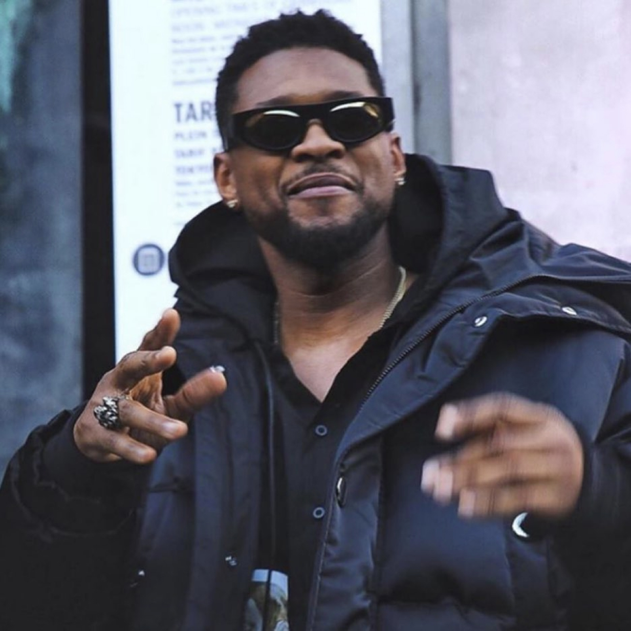 "USHER wearing the KOCHÉ x THIERRY LASRY sunglasses ""COBALT"""